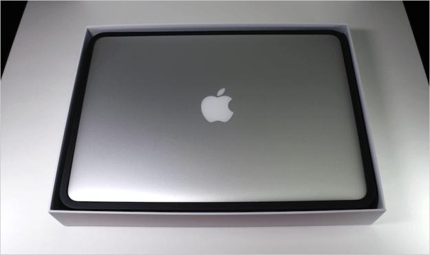 macbook-air-open-02