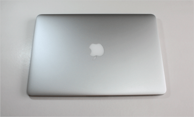 macbook-air-open-09