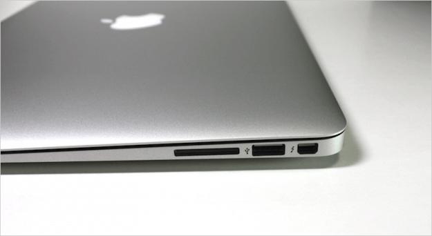 macbook-air-open-10