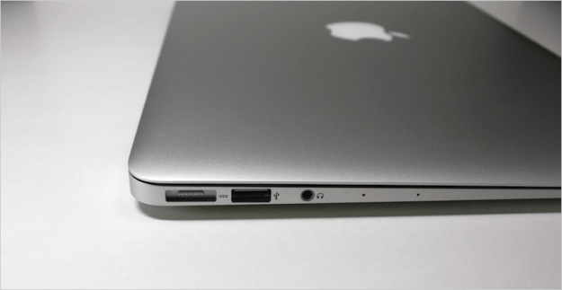 macbook-air-open-11