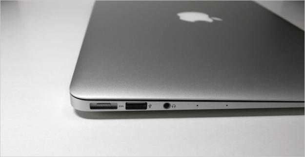 macbook-air-open-11