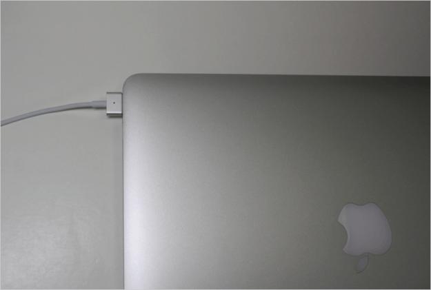 macbook-air-open-29