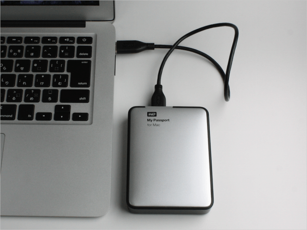macbook-wd-hdd-my-passport-for-mac-2tb-01