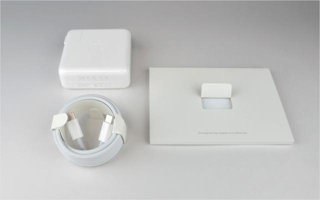 macbook-pro-late-2016-open-07