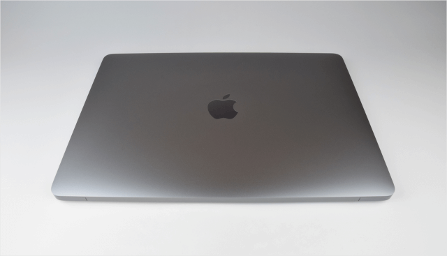 macbook-pro-late-2016-open-10