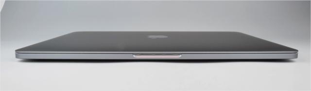 macbook-pro-late-2016-open-11
